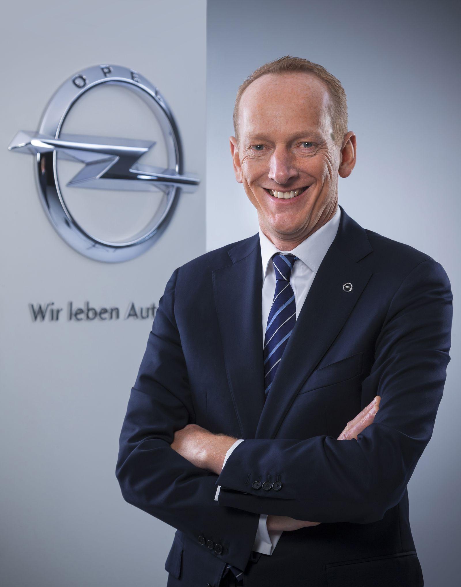 Karl-Thomas Neumann / Opel-Logo
