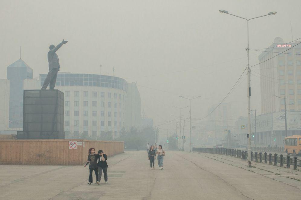 Pedestrians in Yakutsk: The end of days seems nigh
