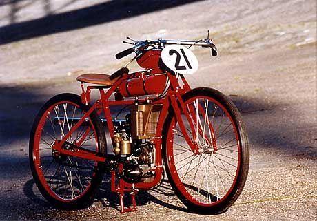 1922 gebaute Bahnrennmaschine