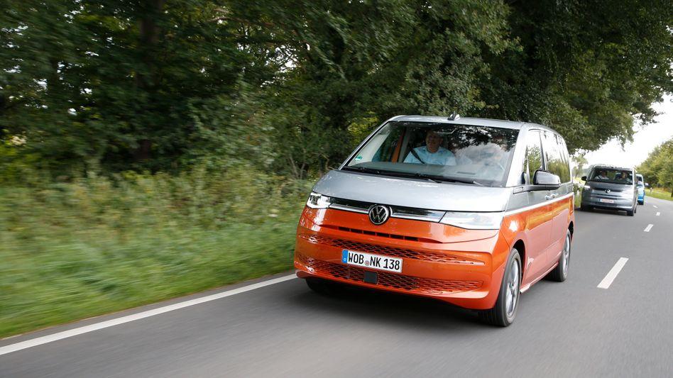 Der neue VW Multivan tritt erstmals auch mit Plug-in-Hybridantrieb an
