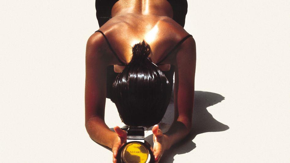 Werbefoto von Jean Daniel Lorieux für Azzaro Parfum, 1986.