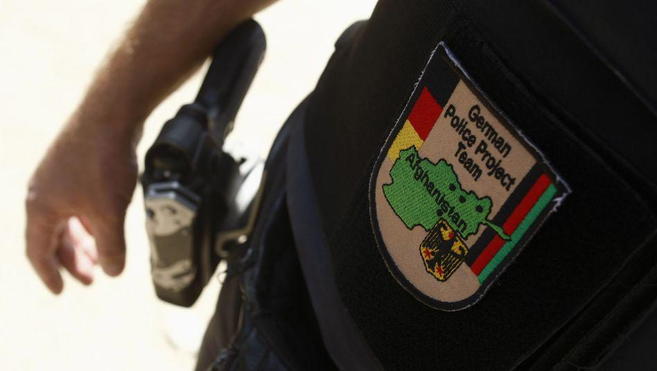 Polizist in Afghanistan: Sogar der Einsatz von pensionierten Beamten ist im Gespräch