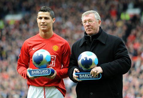 Ronaldo im Jahr 2008 mit Sir Alex Ferguson, seinem langjährigen Trainer bei United