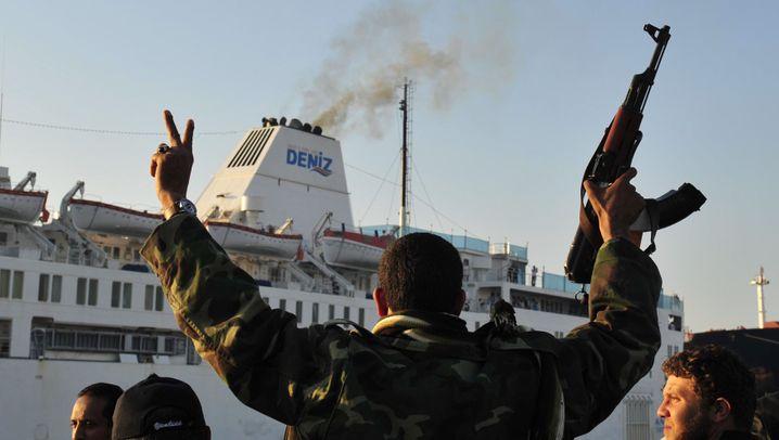"""Die """"Ankara"""": Rettung per Schiff"""