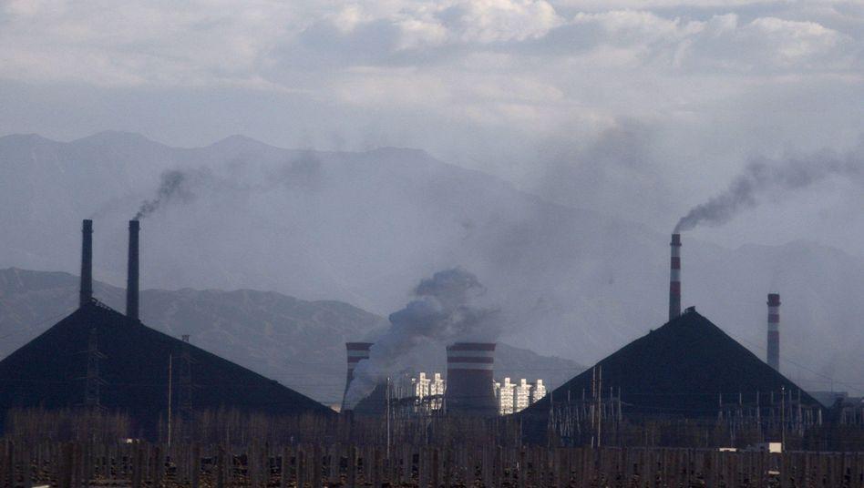 Stahlwerk in Jiayuguan: Winzige Schwebteilchen kühlen Atmosphäre