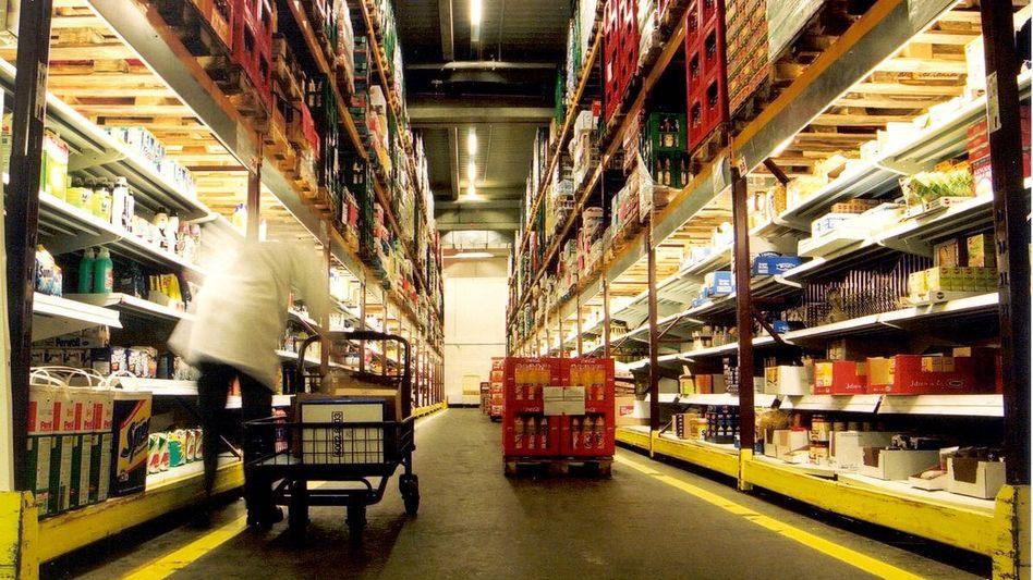 Lager eines Online-Supermarkts (Archivbild)