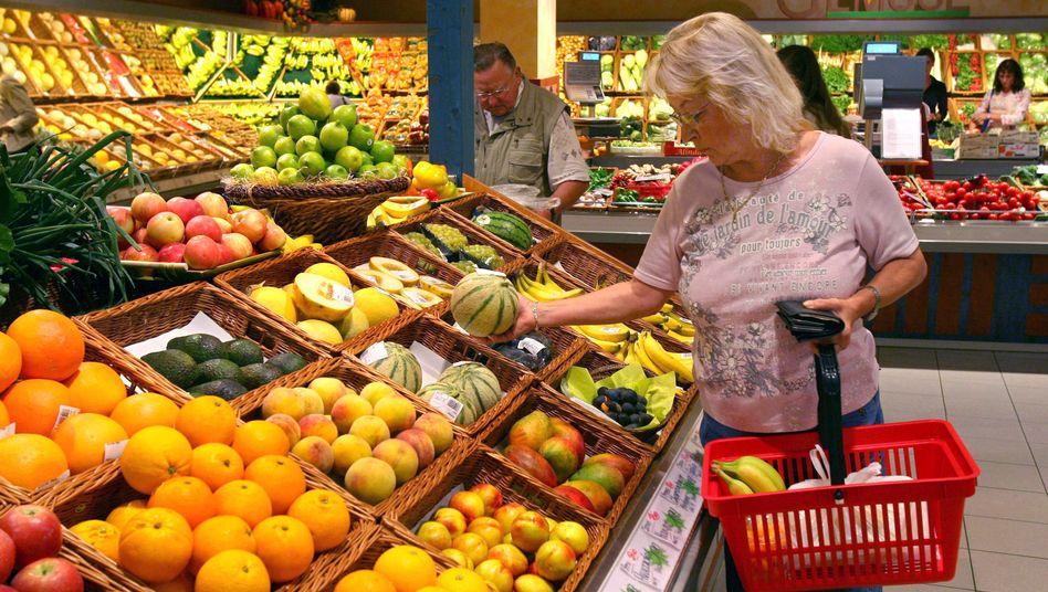 Obsttheke: Gesund? Nein, eklig und gesundheitsgefährdend sind die Waren in einigen großen Supermärkten und Discountern