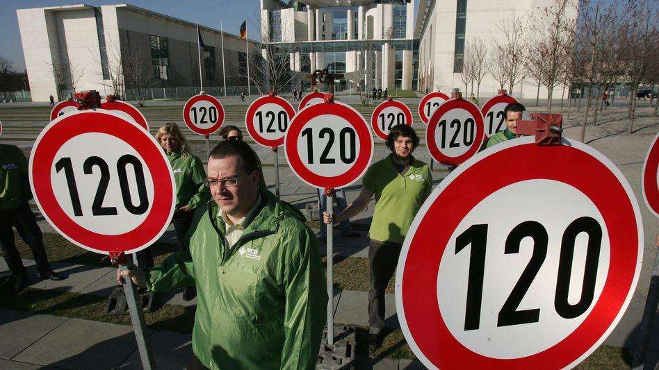 Demonstration für Tempolimit auf Autobahnen (Symbolbild)
