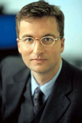 MLP-Chef Schroeder-Wildberg: Bei Beratern und Mitarbeitern anerkannt