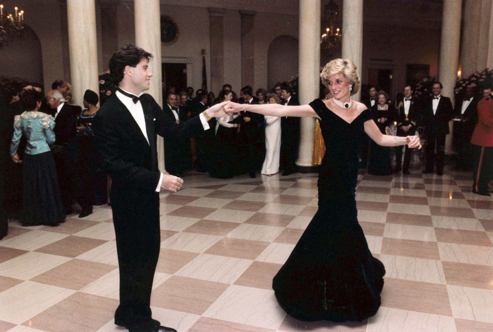 Ausstellung - Diana: Her Fashion Story