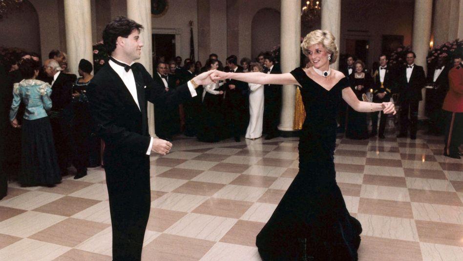 Prinzessin Diana und John Travolta tanzen am 9. November 1985 im Weißen Haus in Washington