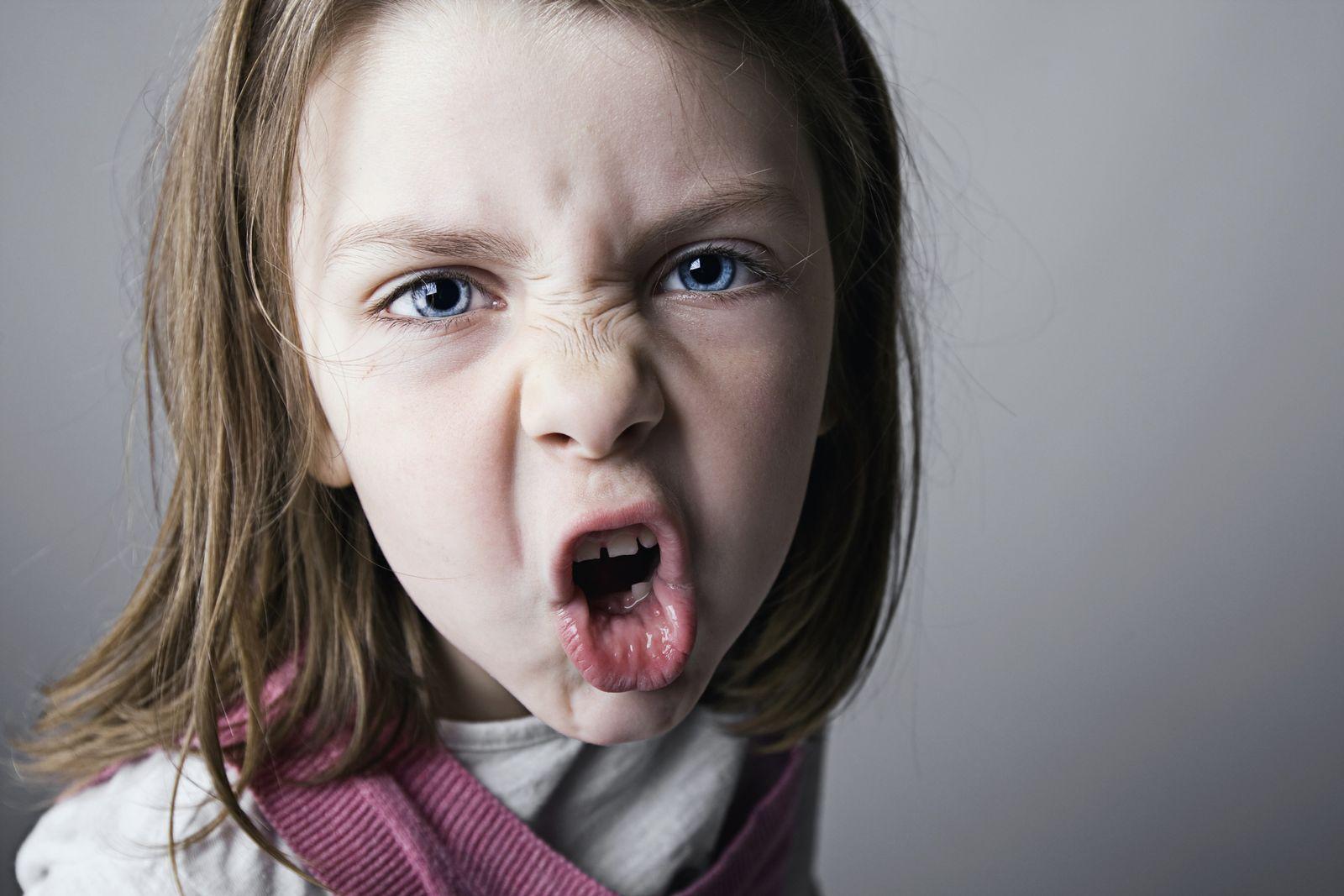 NICHT MEHR VERWENDEN! - Wütendes Mädchen