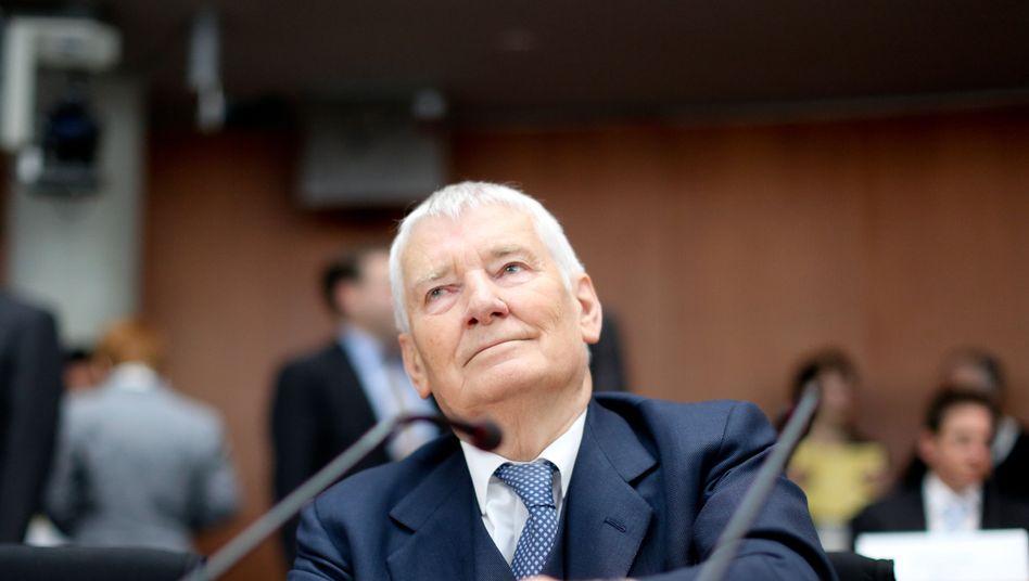 "Ex-Innenminister Schily: ""Viele Bürger geben sorglos alles preis"""