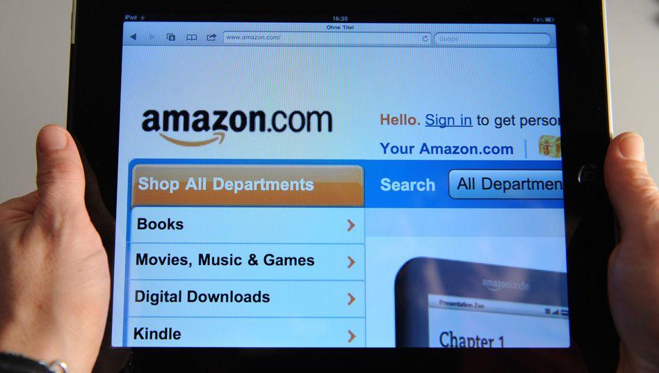 Amazon-Website auf einem Tablet-PC: Der Versandhändler steigt in den App-Handel ein