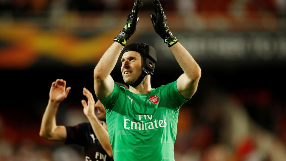 Petr Cech bejubelt den Finaleinzug in der Europa League mit dem FC Arsenal