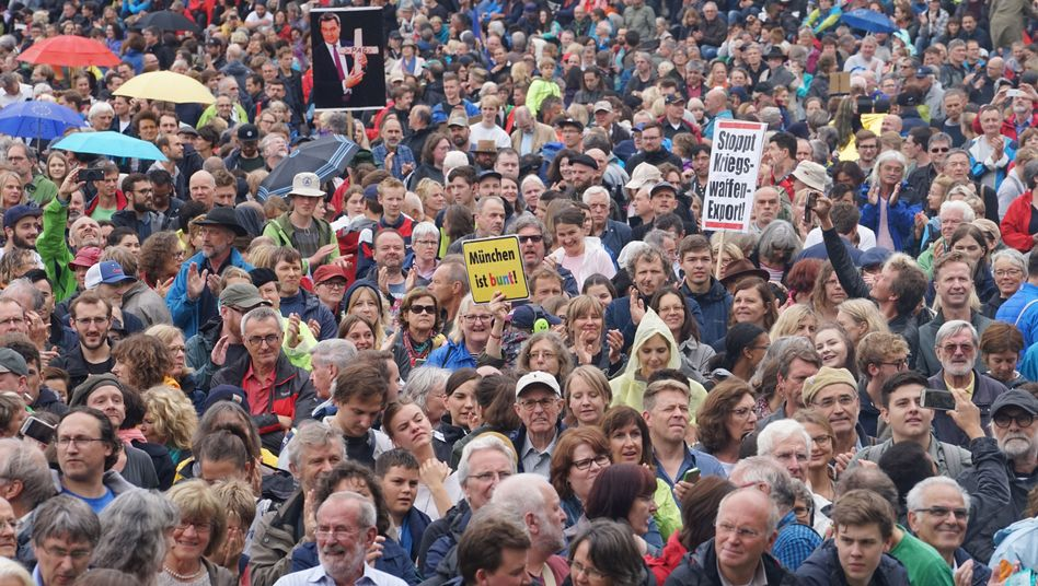 """""""Munich is diverse:"""" Protesters at a demonstration in the Bavarian capital"""