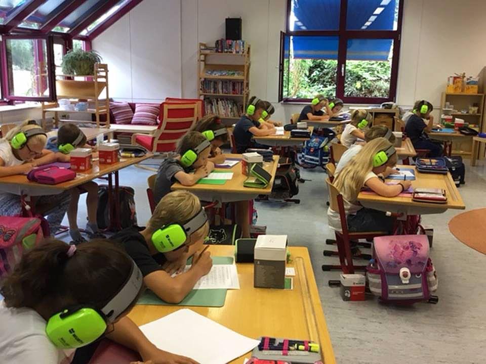 EINMALIGE VERWENDUNG Schüler der Lindenschule Bellenberg