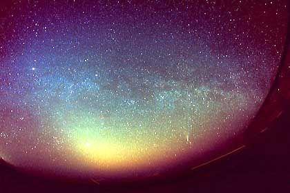 Zunächst hatte der Wetterdienst bei den Lichterscheinungen in Bayern den Kometen Ikeya-Zhang in Verdacht