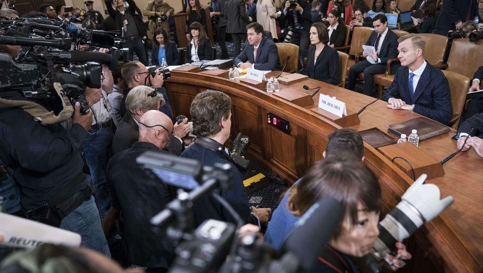 Fiona Hill und David Holmes bei den Impeachment-Anhörungen