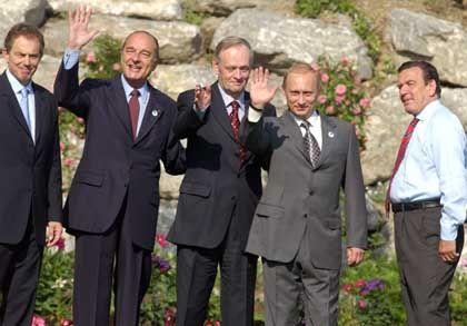 Die Mitglieder der G 8 wollen den Aufschwung vor der Tür stehen sehen
