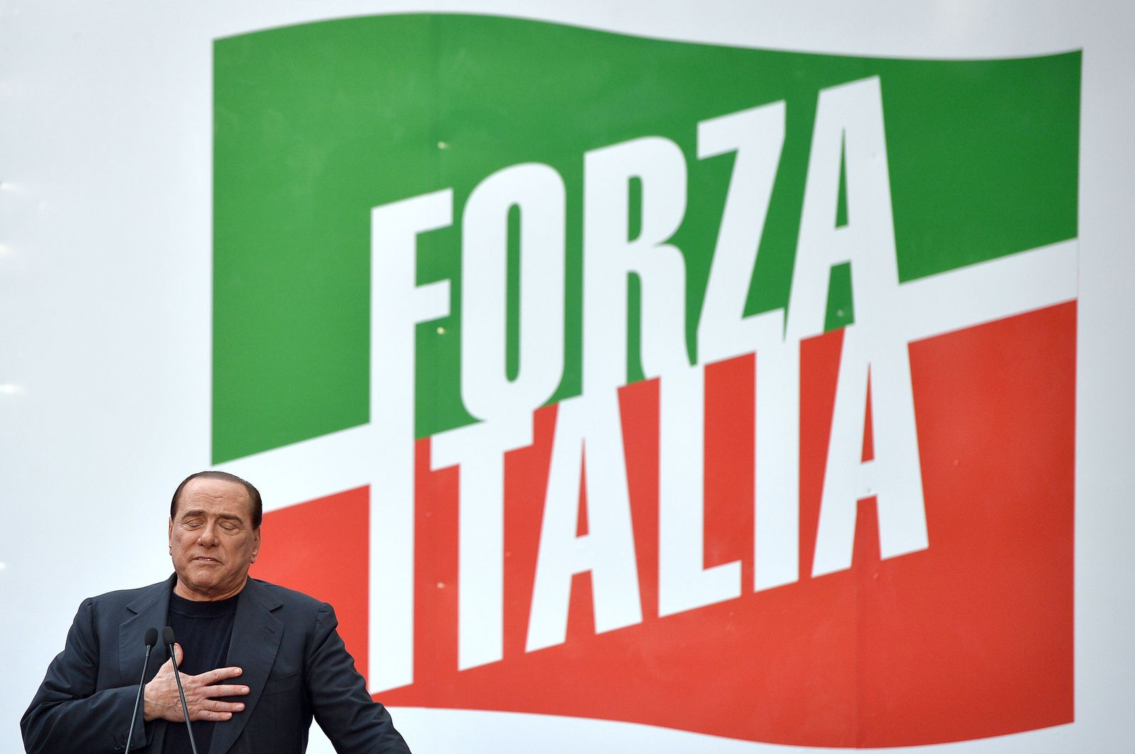 ITALY-POLITCS-BERLUSCONI