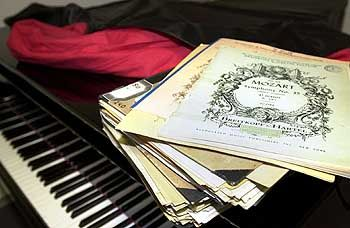 Piano: Die Sprache kann über die Fähigkeit zur Unterscheidung von Tonhöhen entscheiden