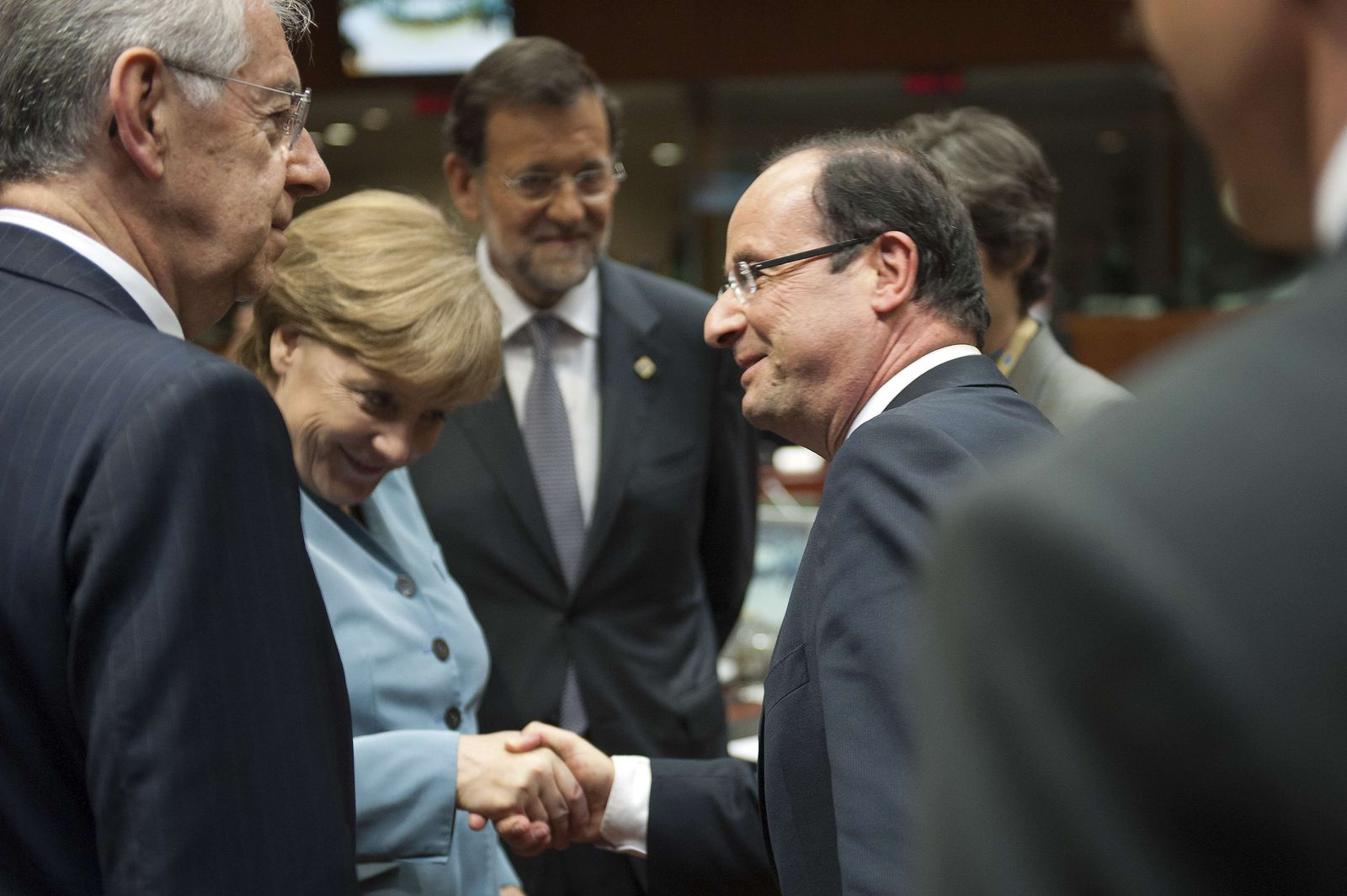 BELGIUM-EU-SUMMIT-FINANCE-PUBLIC-DEBT Monti Rajoy Hollande Merkel