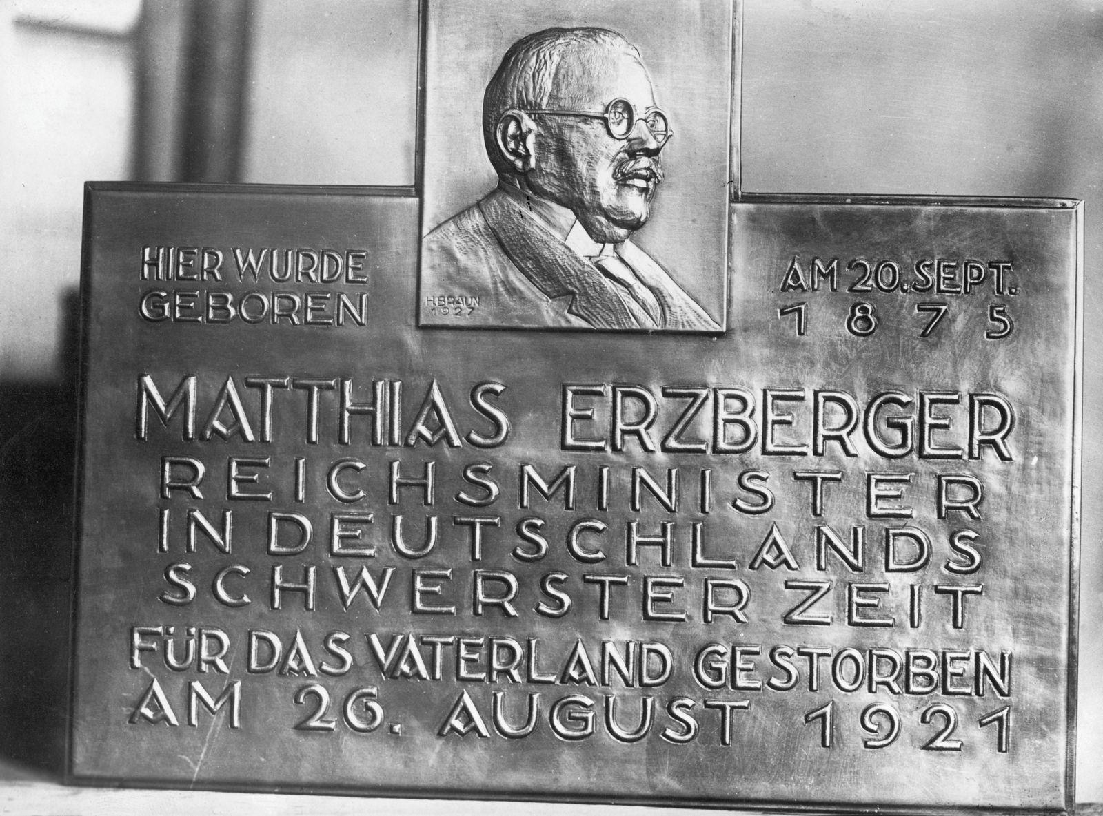 Gedenktafel für Matthias Erzberger an dessen Geburtshaus