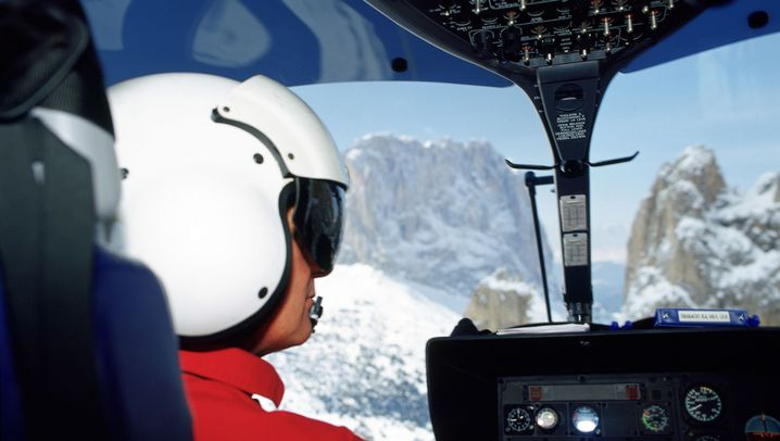 Retter in Rot: Helikoptereinsatz in den Alpen