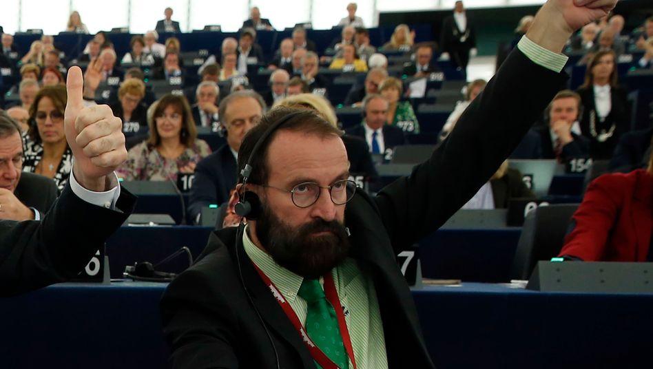 Partygänger József Szájer: Hatte Drogen im Rucksack – und wohl nicht nur nationalkonservative Ideen im Kopf