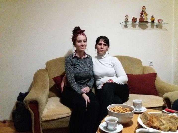 Azra, 17, und ihre Mutter Zlata