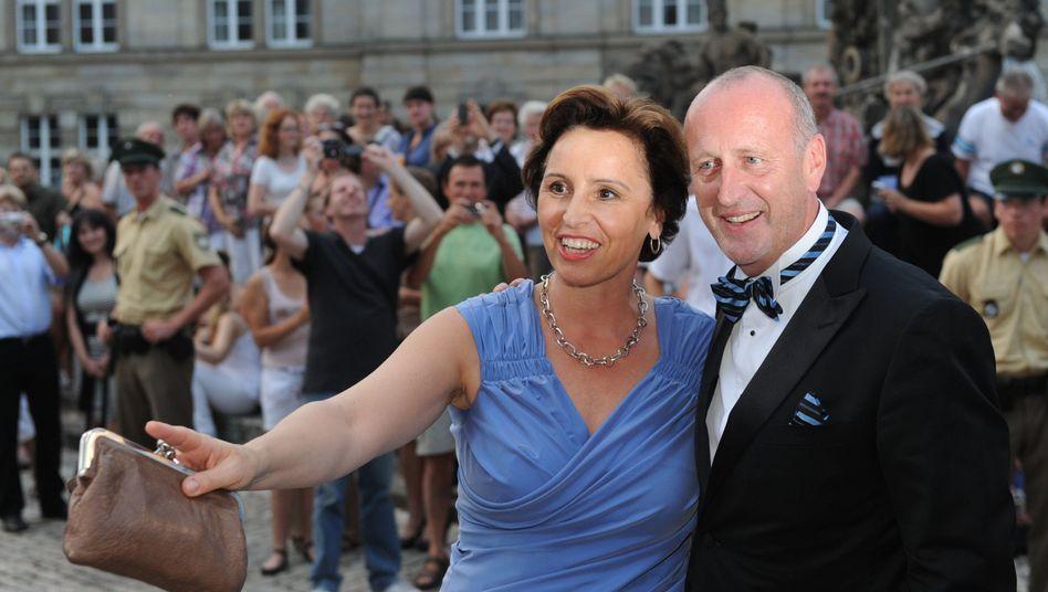 Bayerns Staatsministerin Christine Haderthauer, ihr Ehemann Hubert (Archiv): Durfte der Arzt Drogenscreenings berechnen?