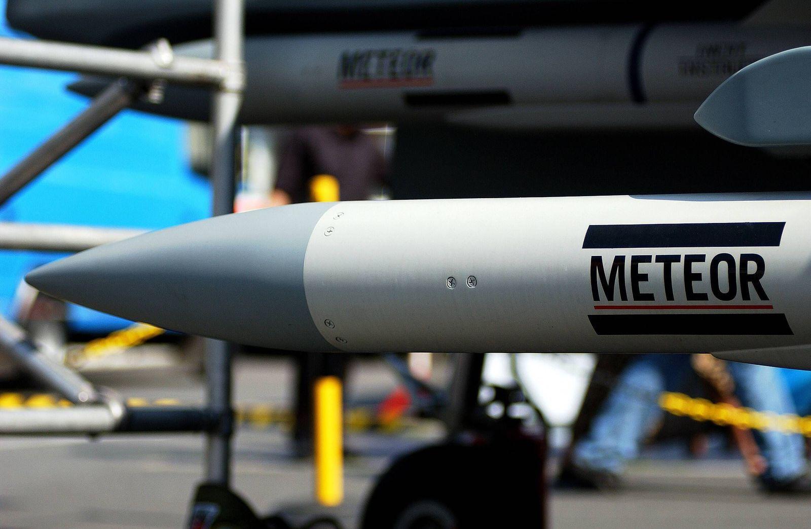 EINMALIGE VERWENDUNG Meteor/ Gefechtsköpfe/ Militär