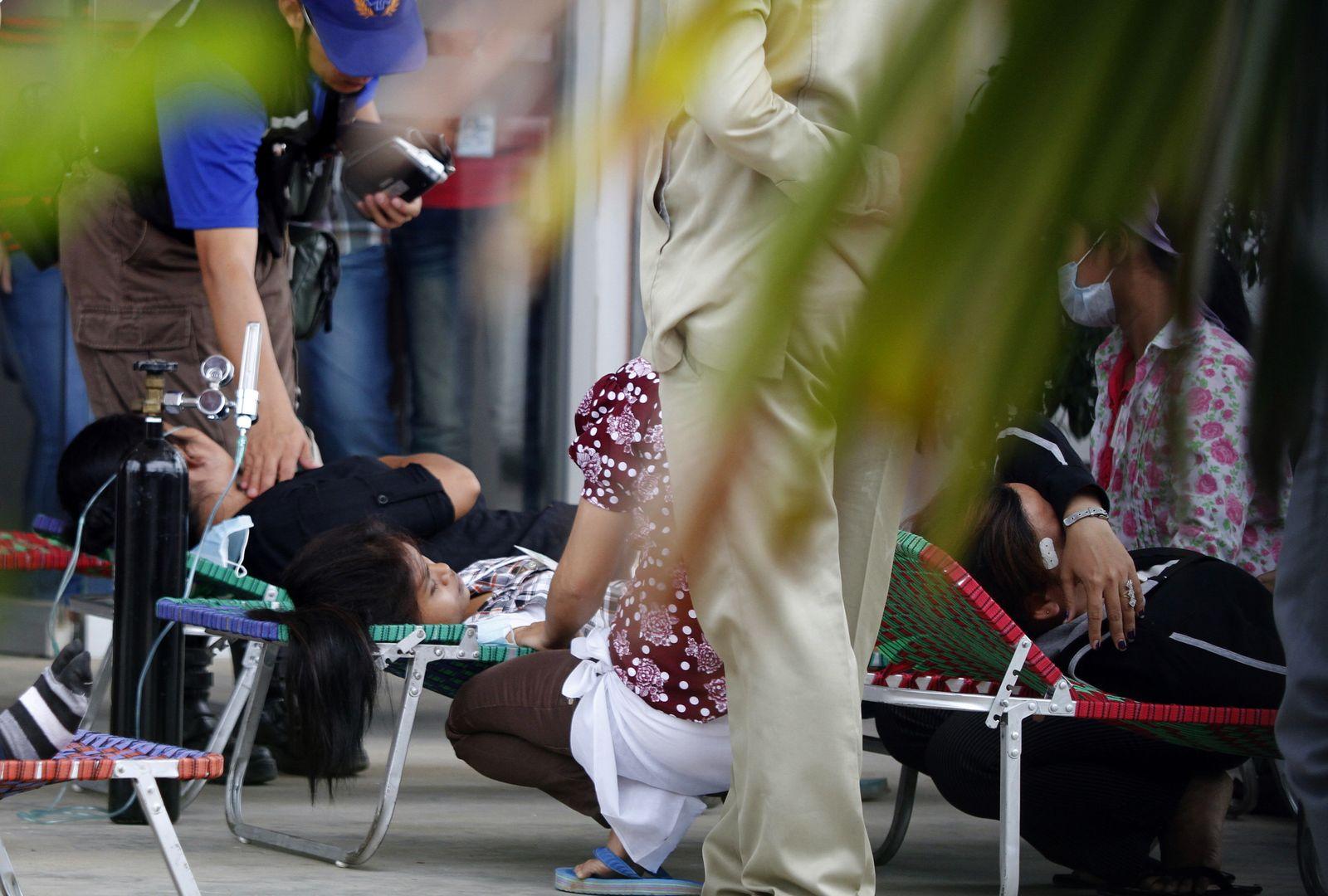 Kambodscha/ Textilarbeiter/ Zusammenbruch/ Juli!