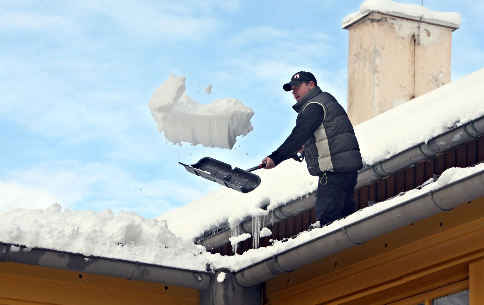 Hausdach / Schnee