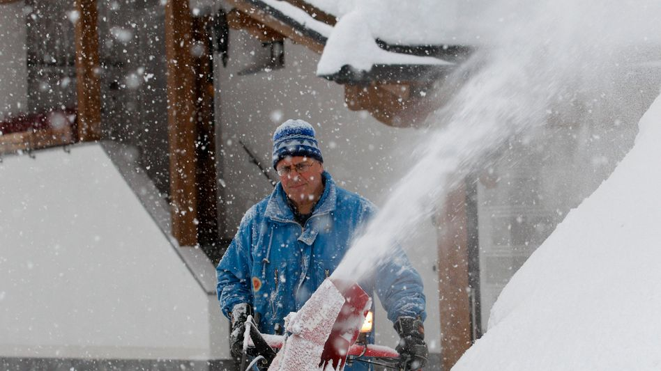 Schneechaos in den Alpen: Ischgl wegen Lawinengefahr abgesperrt