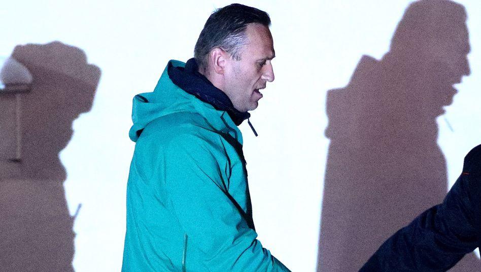 Alexej Nawalny befindet sich direkt nach seiner Wiedereinreise nach Russland in Haft