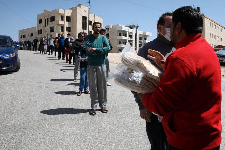 Totale Ausgangssperre: In Jordanien wird das Essen derzeit in Bussen geliefert