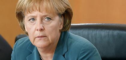 """Kanzlerin Merkel: """"Schwerer Einbruch"""""""