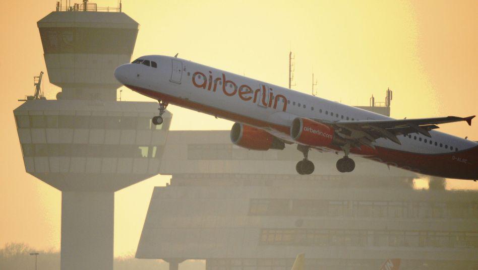Air-Berlin-Maschine auf dem Flughafen Berlin-Tegel: Ab Sommer 2011 direkt gen New York