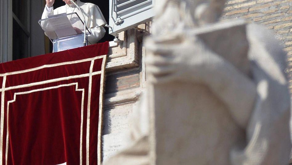 Papst Franziskus: Laien sollen ihre Meinung zu heiklen Familienthemen äußern