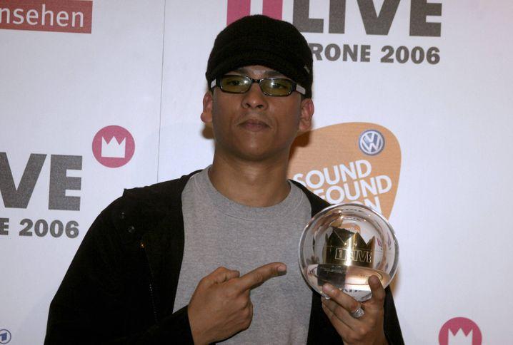 Preisträger Naidoo 2006 mit 1LIVE Krone: Vielleicht geht es aber auch gar nicht um ihn