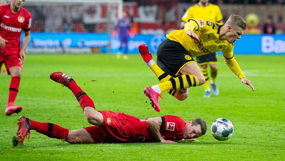 Sven Bender (u.) und Erling Håland (r.): Ihre Teams hielten ihre Torversprechen