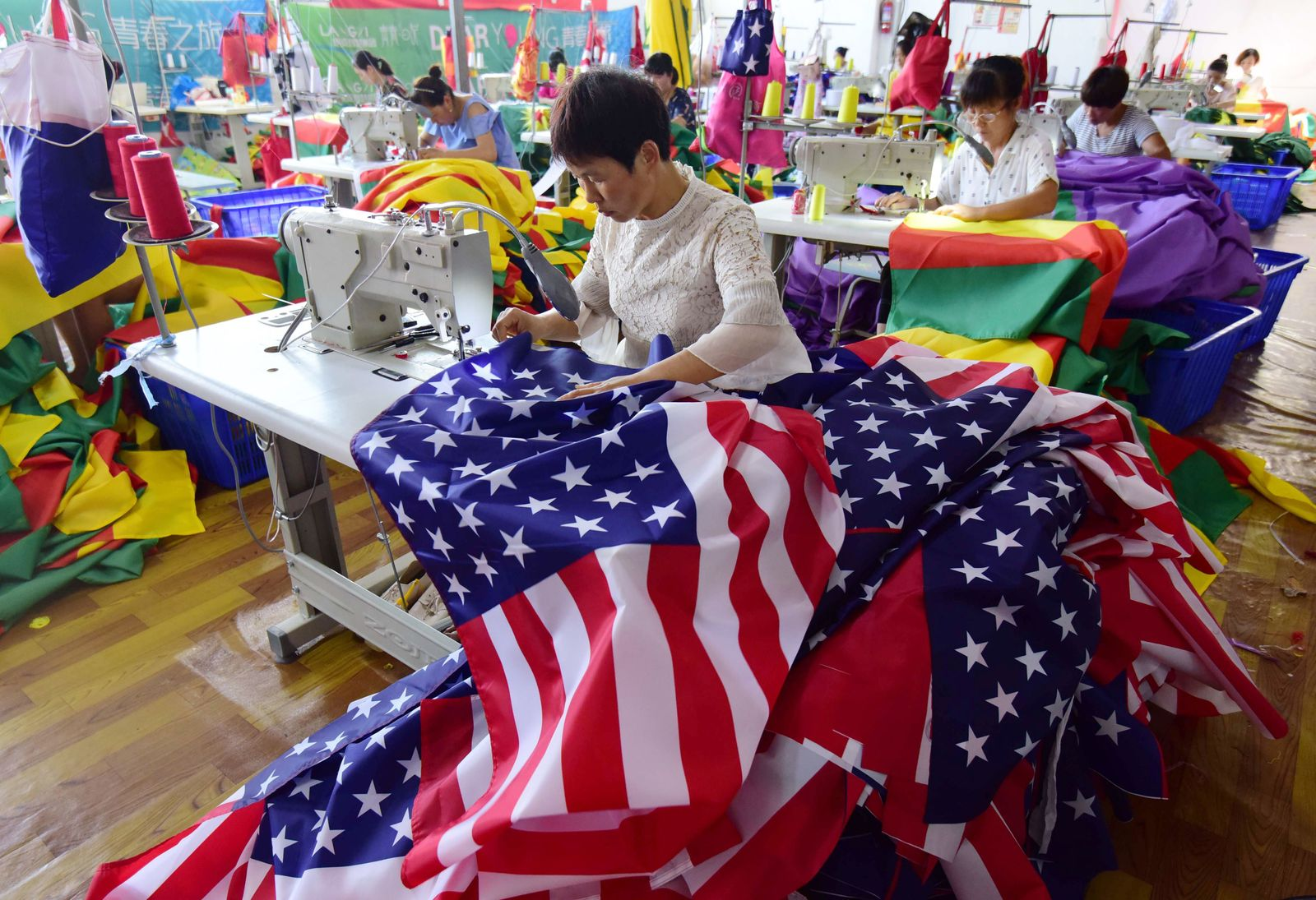 CHINA-US-TRADE-FLAGS-MANUFACTURING