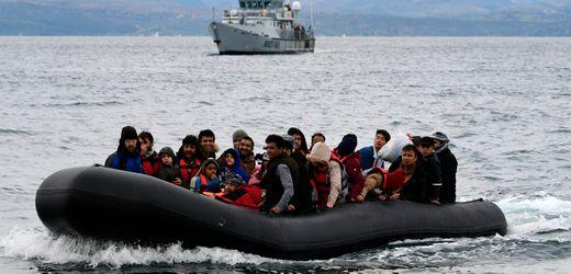 Frontex:<br>EU-Parlament will 90 Millionen Euro wegen Pushback-Vorwürfen zurückhalten