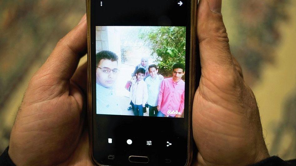Handyfoto der zurückgelassenen Familie Balo in Jordanien: Ein Wiedersehen ist kaum machbar