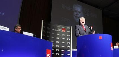 Ministerpräsident Kurt Beck beim Landesparteitag der SPD Rheinland-Pfalz: Vorteile im politischen Gelände
