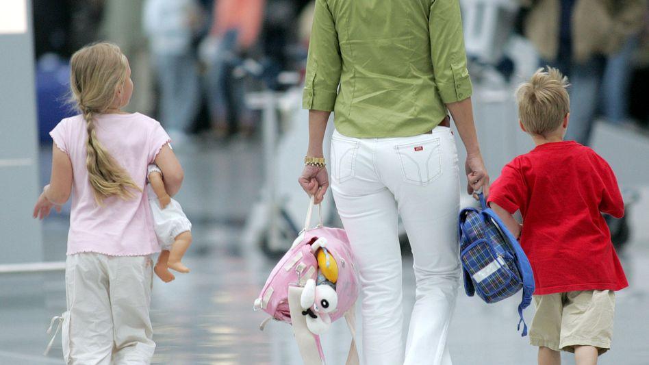 """Mutter mit Tochter und Sohn: """"Väter sind unersetzbar bei der Rollenfindung des Jungen"""""""