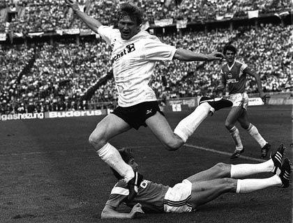 """Eintracht-Legende Detari (l., im DFB-Pokalfinale 1988): """"Ein tolles Erlebnis"""""""