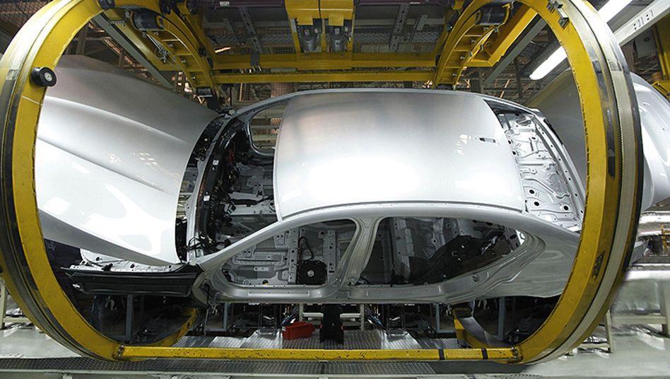 Produktion eines Autos: Positive Aussichten für Fahrzeughersteller